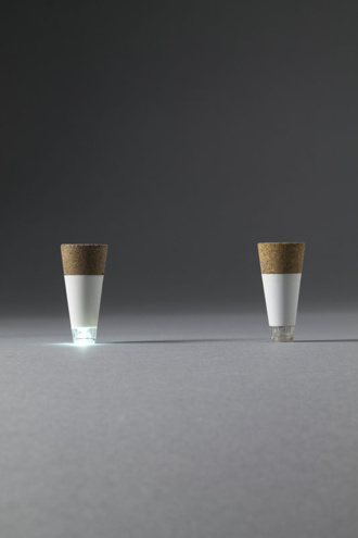 Rechargable bottlelight